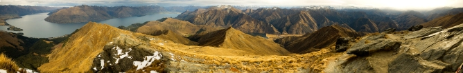 Panorama from Ben Lomond Summit. Queenstown and Lake Wakatipu at left.
