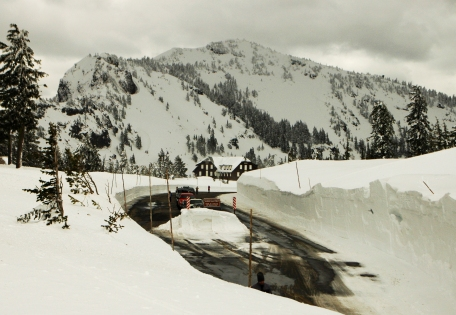 Winter snow accumulation at Crater Lake National Park
