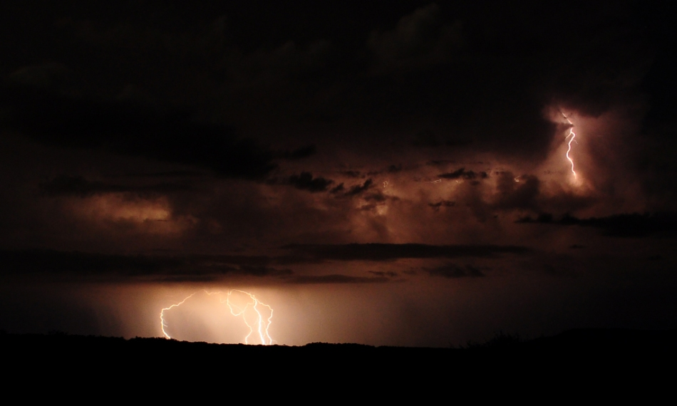 Cloud-to-cloud and cloud-to-ground lightning bolts