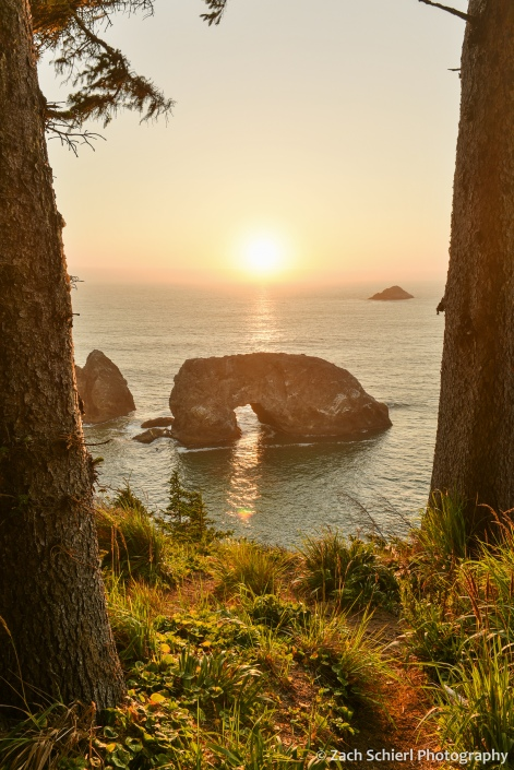Sunset at Arch Rock, between Brookings and Gold Beach, OR